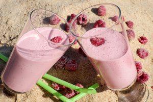 5 מתכונים לשייקים בריאים לימי הקיץ החמים