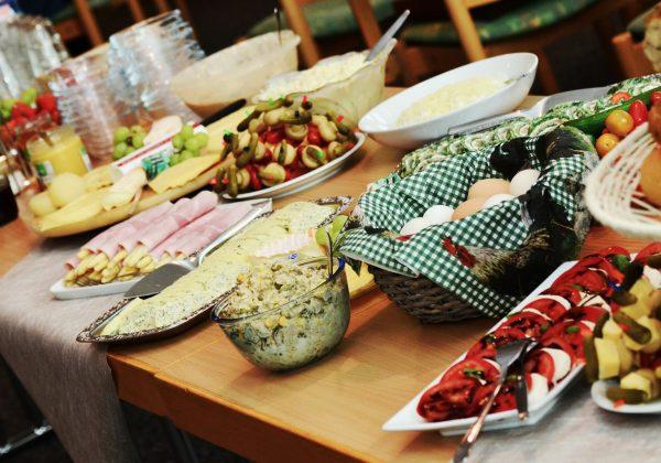 אוכל במסיבת רווקות: המדריך המלא!